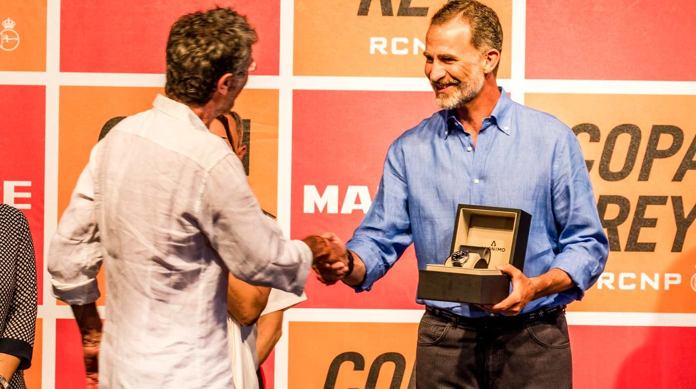 Anonimo - Anonimo watch presented by King Felipe VI of Spain