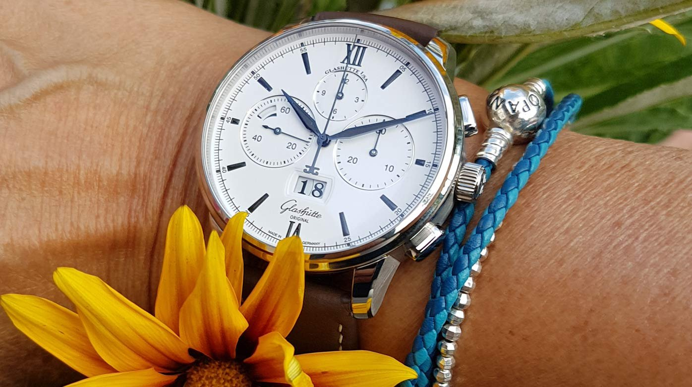 Glashütte Original - The Senator Chronograph Panorama Date – on a woman