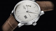 The new Senator Excellence Panorama Date Moon Phase
