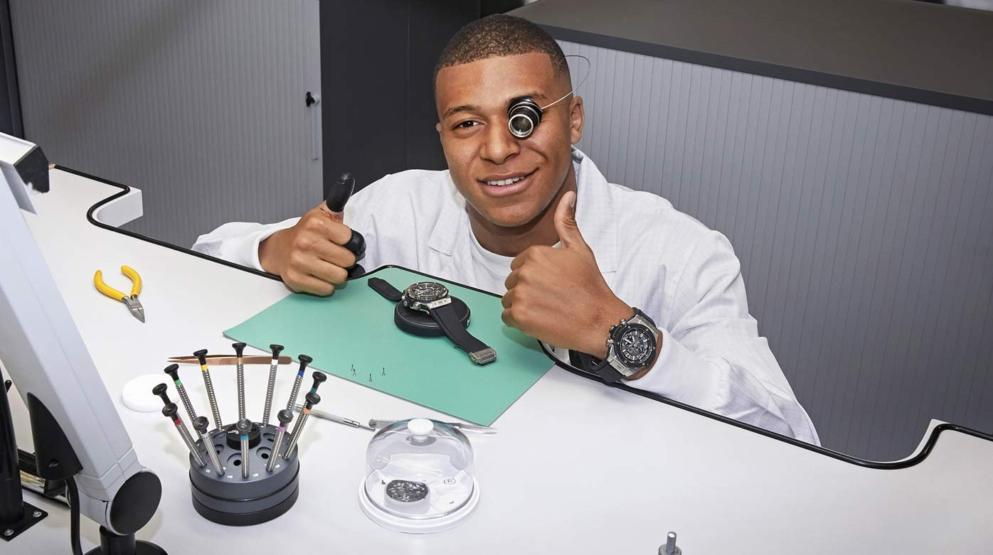 Hublot - Kylian Mbappé visits the Hublot manufacture