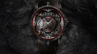 Excalibur Quatuor Carbon: back in black