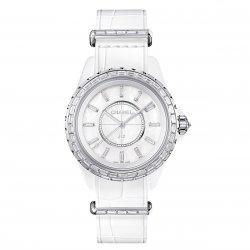 J12-G.10 mother-of-pearl dial set with 12 baguette-cut diamond indexes ©Chanel