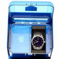The TAG Heuer Connected in its blue packaging