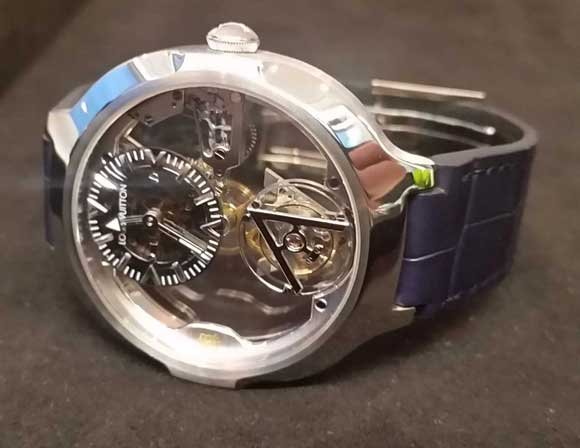 Louis Vuitton Poinçon de Genève watch
